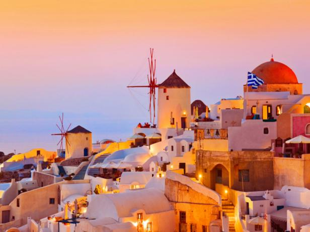 romantic-sunsets-santorini